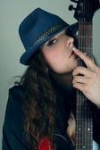 Mujer joven en retrato sombrero — Foto de Stock