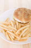 Burger and chips — Stock Photo