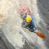 фристайл на реке с порогами — Стоковое фото
