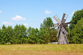 伝統的な風車 — ストック写真