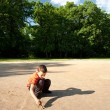 Child playing outdoors — Stok fotoğraf