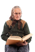 Senior woman reading — Stock Photo