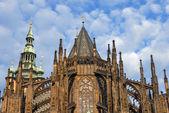 Gotische kerk torens — Stockfoto