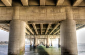 Sous le pont modern — Photo