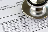 Bill from the doctor concepts of rising medical cost — Stockfoto