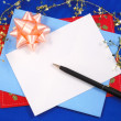Writing a greeting card to friends and relatives — 图库照片