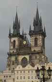 Tyn-katedralen i prag, tjeckien — Stockfoto