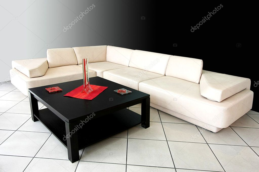 Interior shot of living room with white couch — Stock Photo #2779354