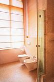 Zeitgenössische wc — Stockfoto