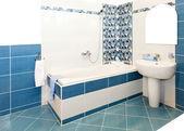 Blauwe badkamer — Stockfoto