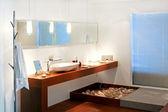 Modern bathroom — Photo