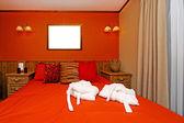 赤い壁の寝室 — ストック写真