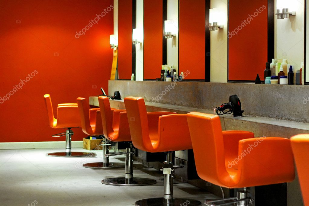 Modern empty hair saloon with chairs and mirrors — Lizenzfreies Foto #3489861