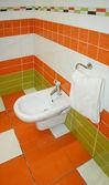 Turuncu tuvalet — Stok fotoğraf
