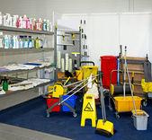 καθαρίζοντας εξοπλισμός — Φωτογραφία Αρχείου
