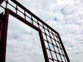 Puerta roja al cielo — Foto de Stock