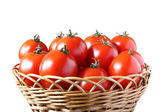 Korg med tomater — Stockfoto