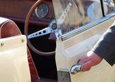 Vinobraní auto s chaufeur — Stock fotografie