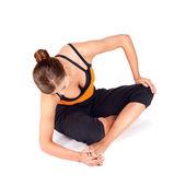 Mulher fazendo dedos alongamento exercícios de yoga — Foto Stock