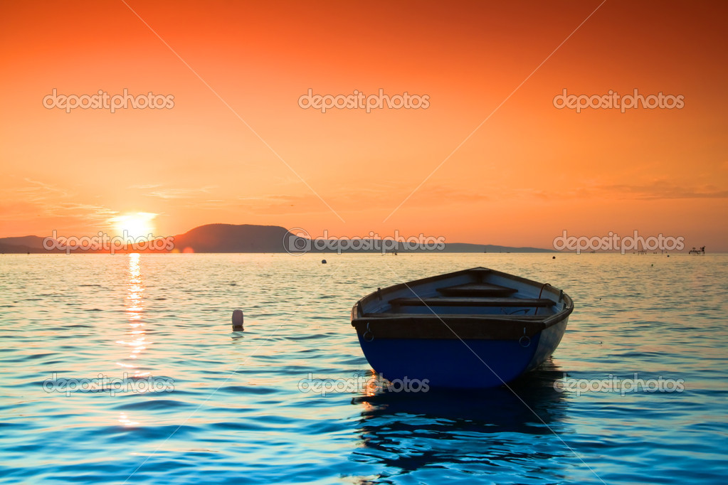 A beautiful Sunset seen the fishing boat — Stock Photo #2790919