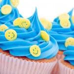 Smiley face cupcakes — Stock Photo #3864112