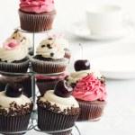 Cupcake stand — Stock Photo
