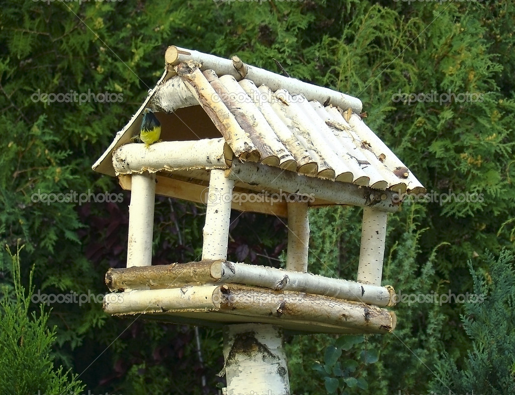 Кормушка для птиц из березы своими руками