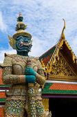 Thai guardian statue — Stock Photo
