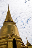 Thai buddhist temple Wat phra kaeo — 图库照片