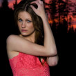 Sunset brunette - Photo