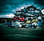Pile of discarded cars — Photo