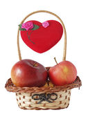 Small basket, apple and a heart — Stock fotografie