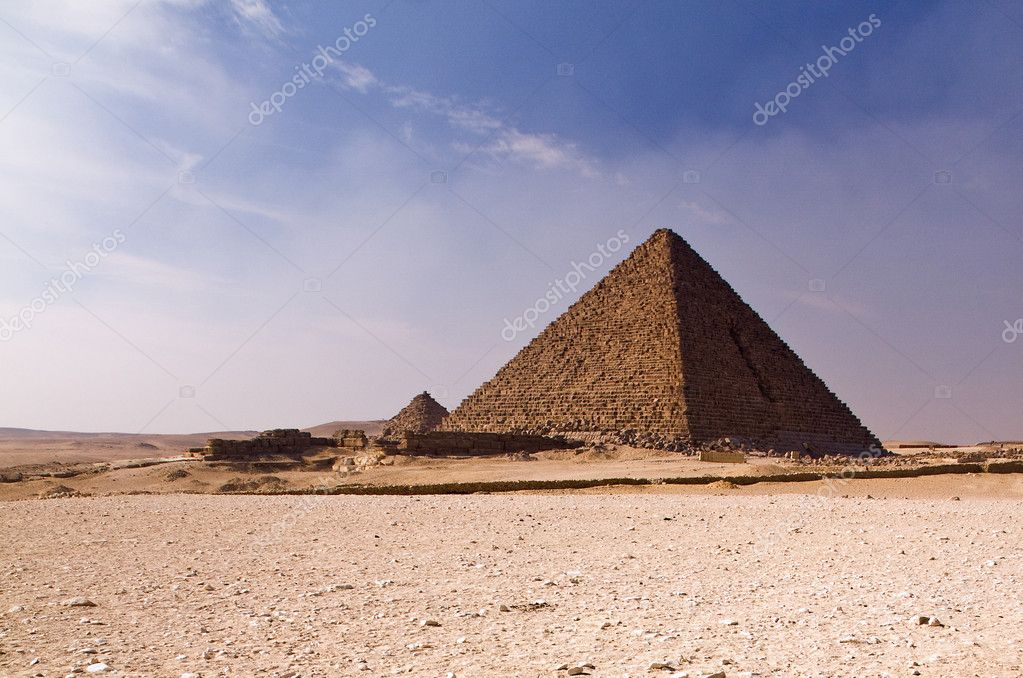 Ancient stone pyramid in Egyptian desert near Giza — Stock Photo #3029603