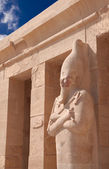 Stone statue in Egyptian temple — Stock Photo