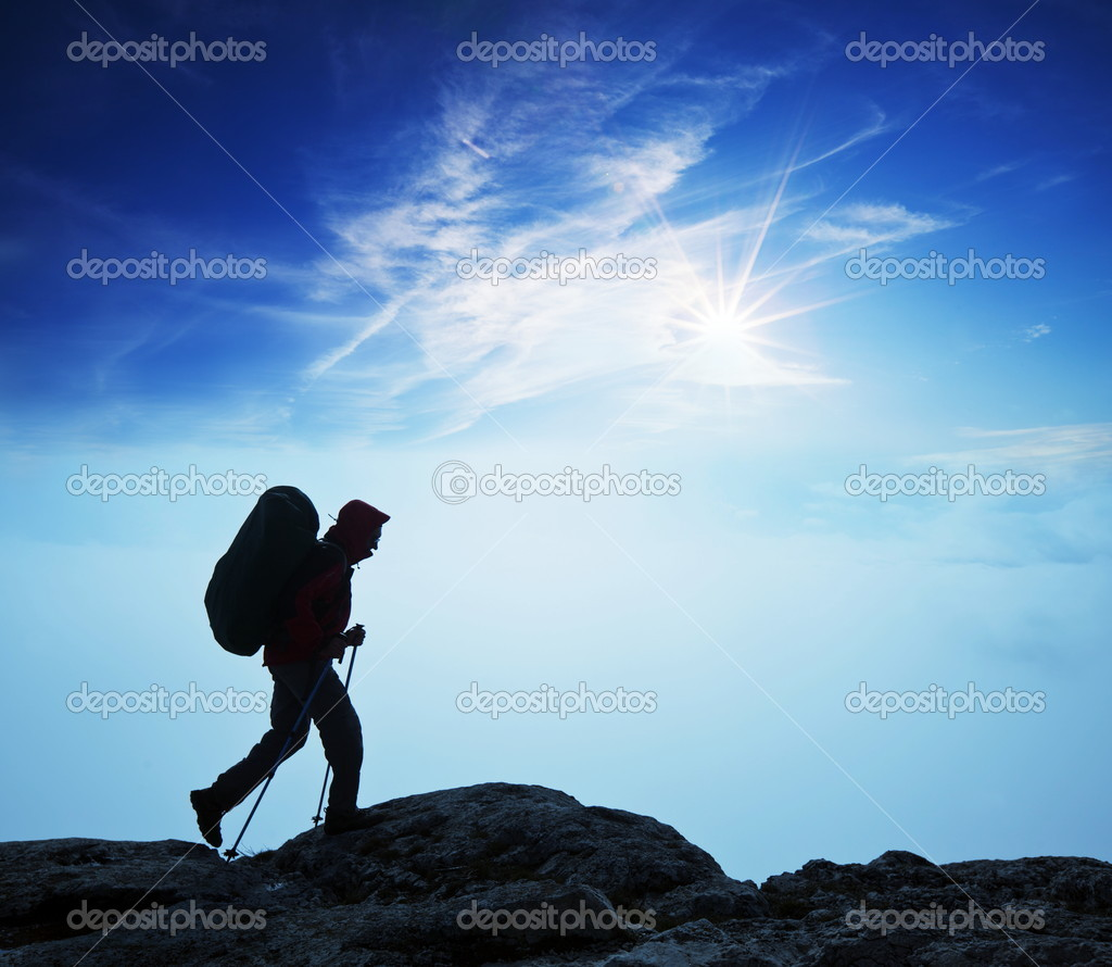 Hiker in mountains — Stock Photo #2969082