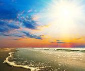 Mar ao pôr do sol — Fotografia Stock
