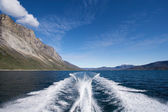 Stern wave from boat — Stock Photo