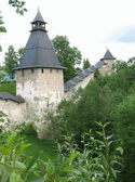 Tower Upper lattices and Tararygina tower Pskov-Caves of the Holy Dormition — Stock Photo