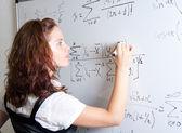 Student på blackboard — Stockfoto