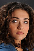 Retrato de mujer joven hermosa — Foto de Stock