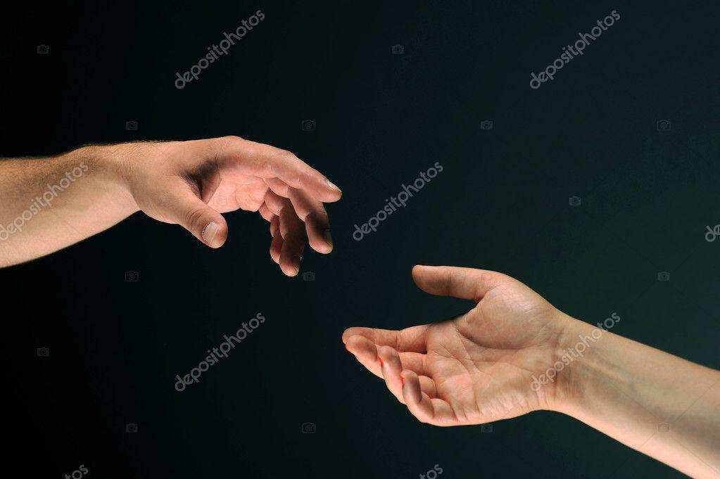 13 Revealing Body Language Hand Gestures