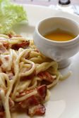 Spaghetti Carbonara, Italian cuisine — Stock Photo