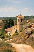 Kostel v katalánské obce — Stock fotografie