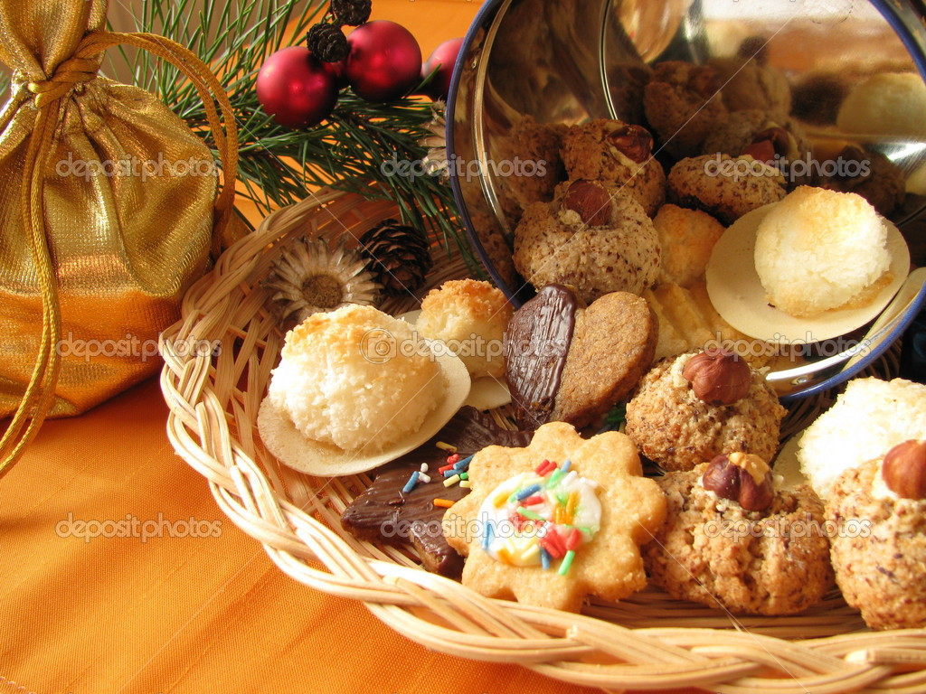 Homemade traditional Christmas cookies — Stock Photo #3133041