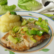 Minute steak with roasted leeks and mashed potatos — Stockfoto