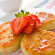 Cheese pancakes with strawberry — Stock Photo