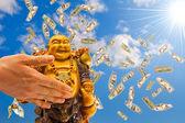Feng shui. buddha proti obloze. — Stock fotografie