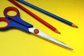 Scissors and pencils — Stockfoto