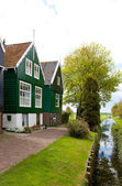 Typical Dutch houses in Marken — Stock Photo