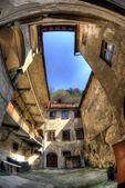 átrio no antigo centro da cidade — Foto Stock